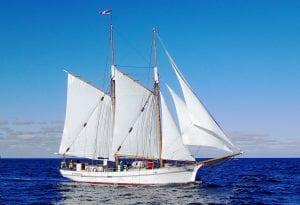 Familjen Wierup seglar ut med Klara Marie